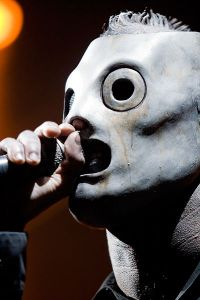 Corey_Taylor_at_Allstate_Arena_2009 Brian Leli via Wikipedia
